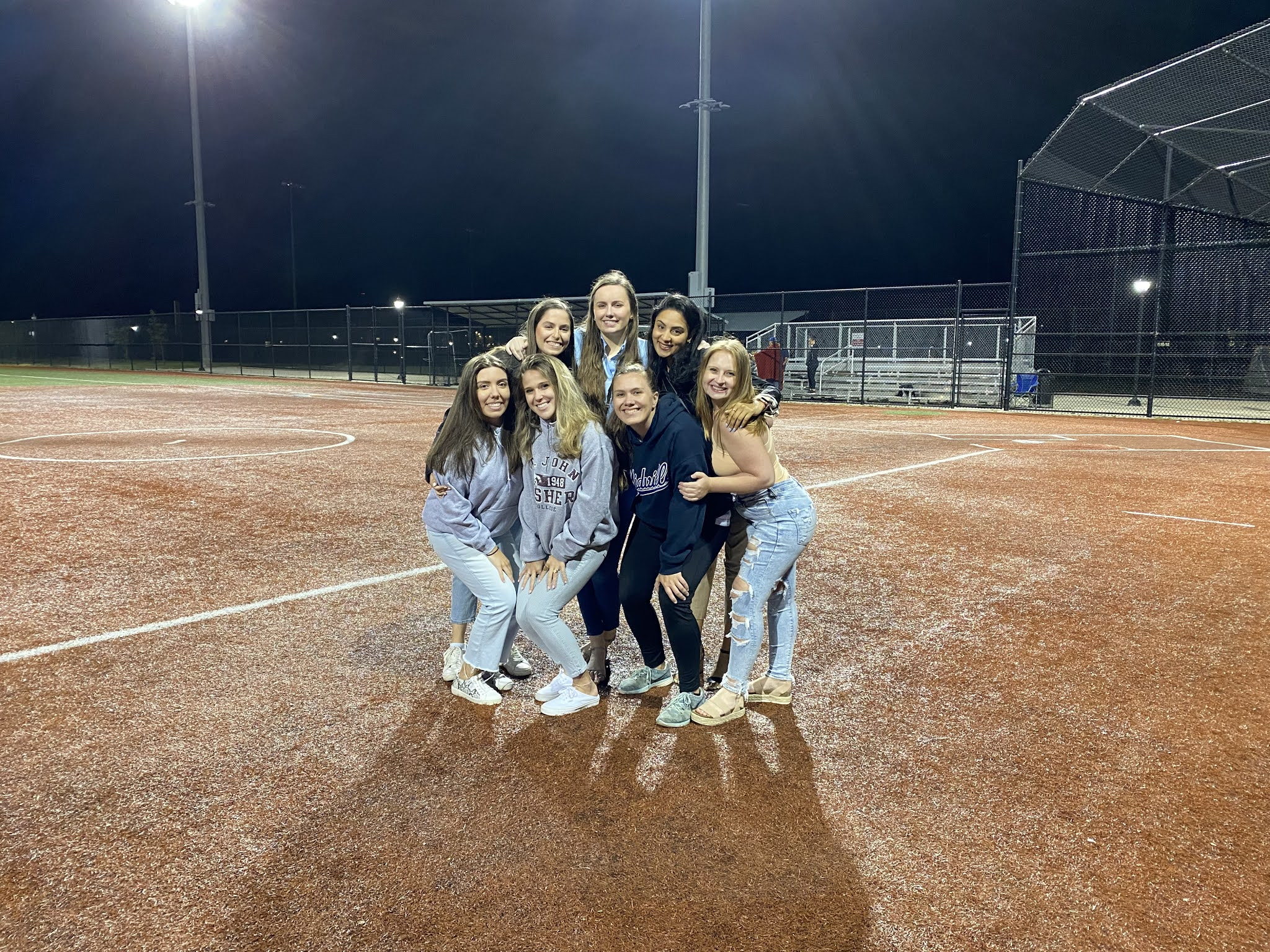 friends, law school, cute outfits, summer outfit, baseball game outfit, softball game