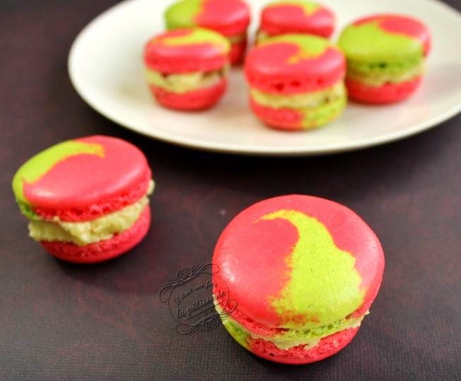 macarons deux couleurs rose vert