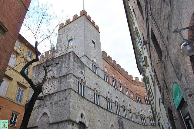 Palacio Chigi-Saracini en Siena