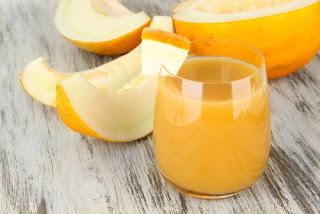 Préparation d'eau de melon pour perdre du poids et mieux dormir