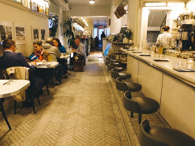 ラス・アンド・ドーターズ・カフェ(Russ & Daughters Cafe)