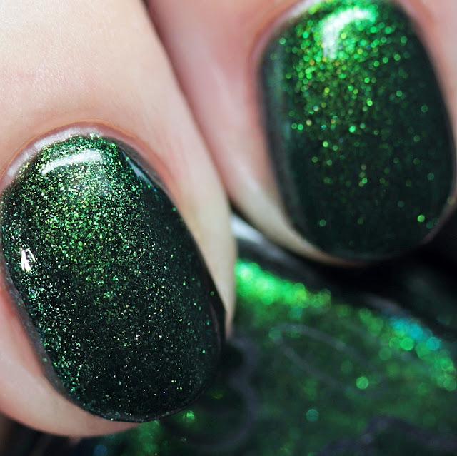 Grace-full Nail Polish Evergreen Garland