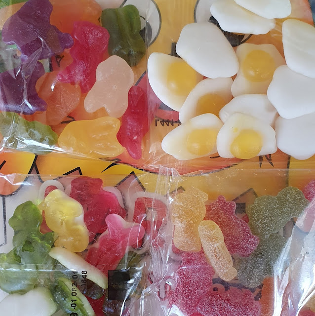HARIBO Easter Chick'n'mix shaped box contents