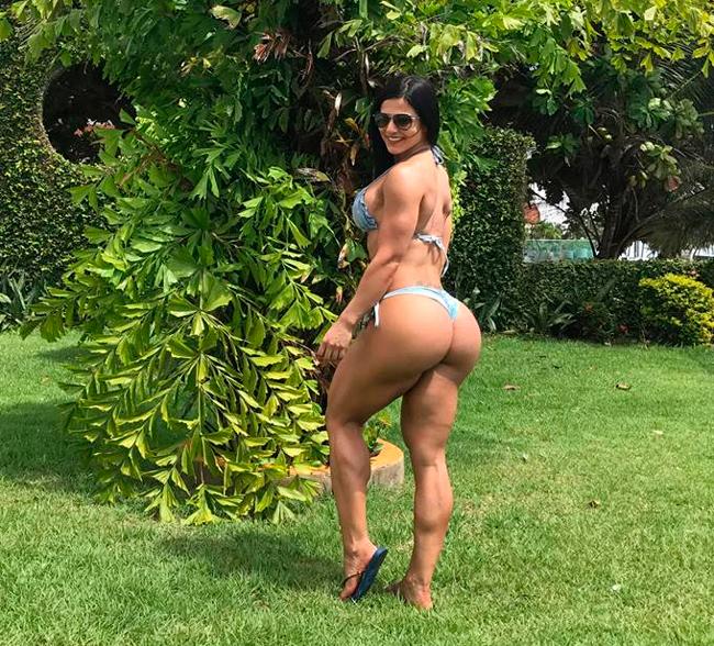 Musa fitness Eva Andressa, de  32 anos