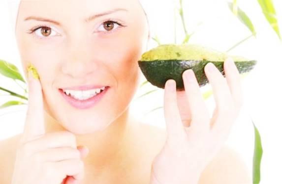 Masker wajah alami dari buah-buahan segar