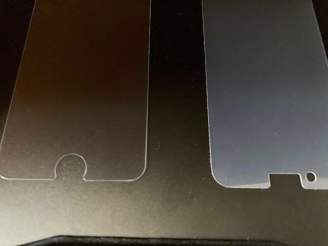 iPhoneSE2に保護フィルム(透明度の比較)