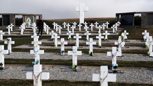 Asciende a 113 la cifra de soldados argentinos caídos en Malvinas que han sido identificados