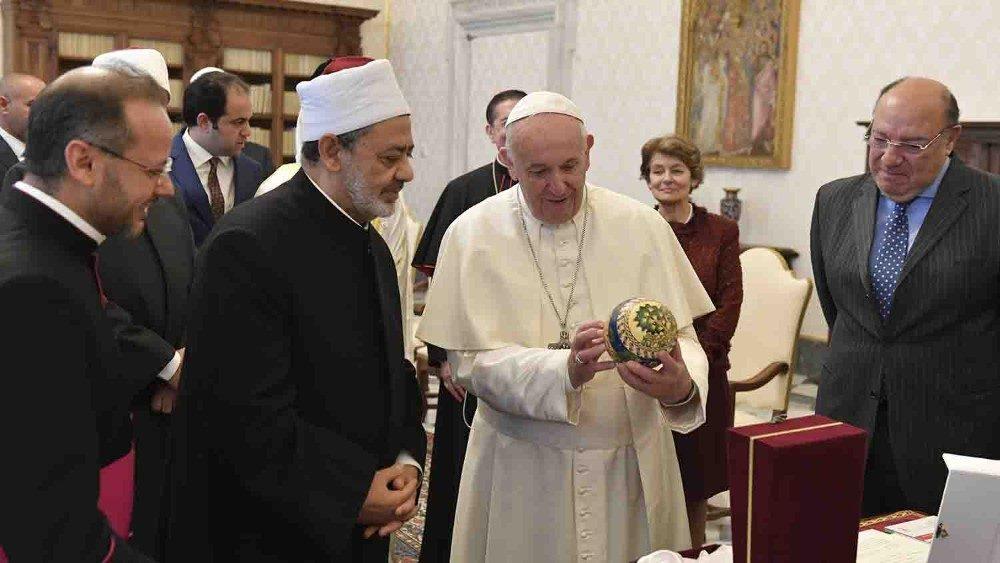 Papa e Imán