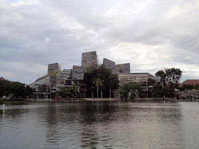 Konsep Green Building di Perpustakaan UI (Universitas Indonesia)