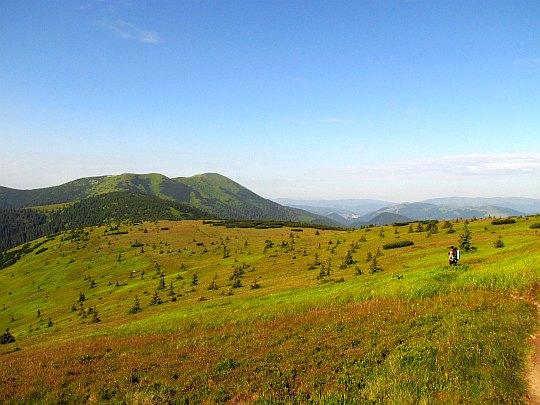 Przełęcz pod Skałką (słow. Sedlo pod Skalkou; 1476 m n.p.m.).