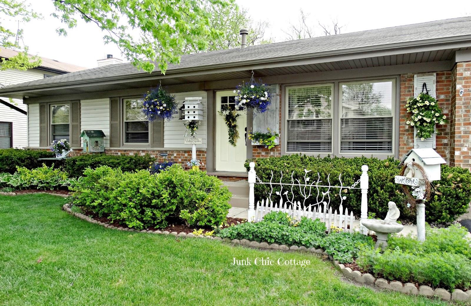 Junk Chic Cottage: Beginning Summer Front Yard Garden