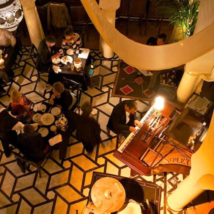 Rick's Cafe em Casablanca para se sentir dentro do filme