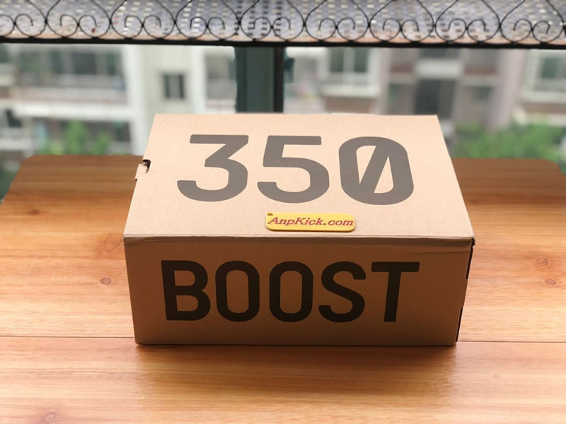 0439724d0 adidas Yeezy BOOST 350 V2