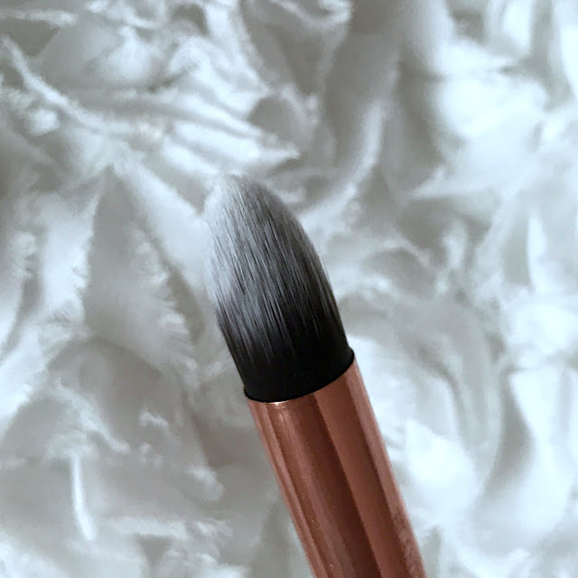 Blank Canvas F19 Tapered Concealer & Contour Brush