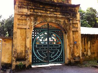 Puerta en la Ciudadela de Hanoi