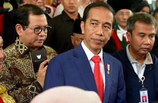 Jokowi Resmi Naikkan Iuran BPJS Kesehatan 100 Persen