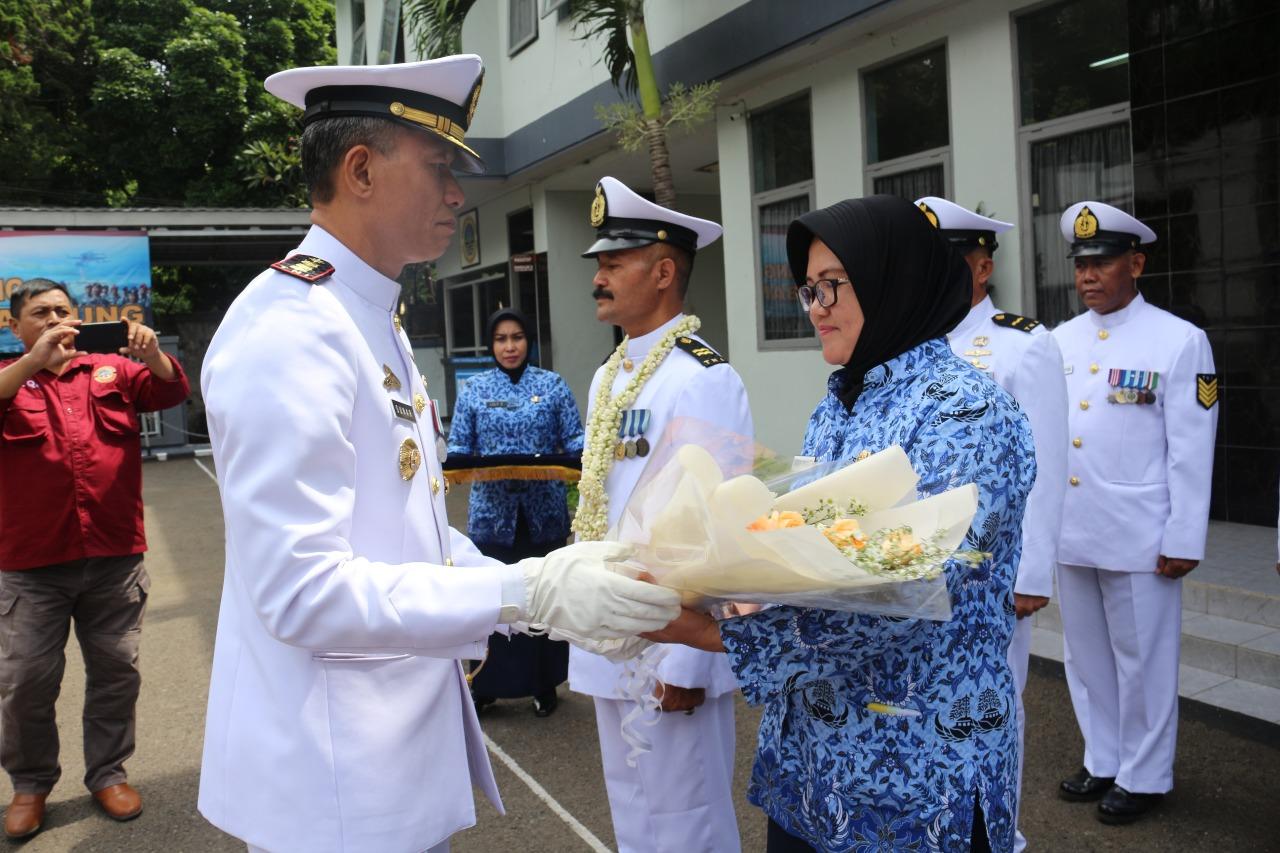 Upacara Purna Tugas Prajurit Dan PNS Lanal Bandung