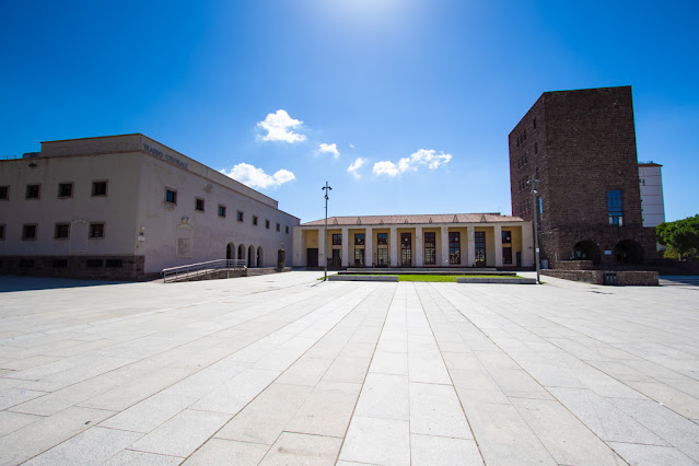 Carbonia-Piazza Roma-Torre littoria e teatro centrale