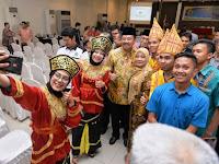 Kepiawaian Masyarakat Minang dalam Berdagang Tuai Pujian