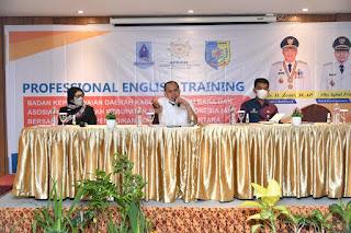 Tingkatkan Kinerja PNS, Bupati Batu Bara Buka Profesional English Training