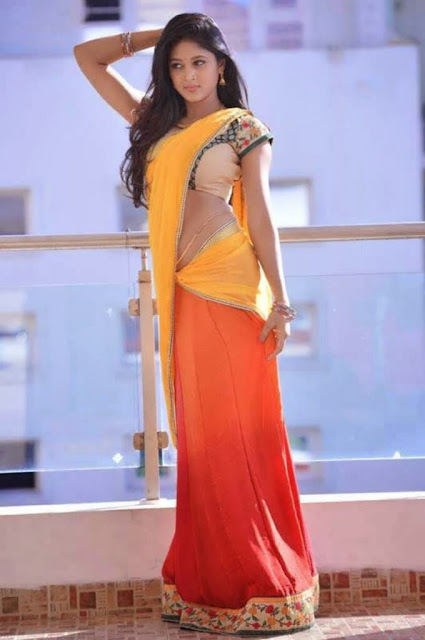 Tamil Actress Sushma Raj Hot HD Pictures in Half Yellow Saree Shows Off Her Sexy Navel Navel Queens
