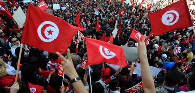 مدح ثورة تونس