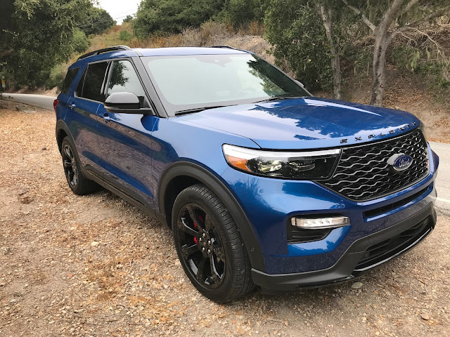 Front 3/4 view of 2020 Ford Explorer ST 4WD