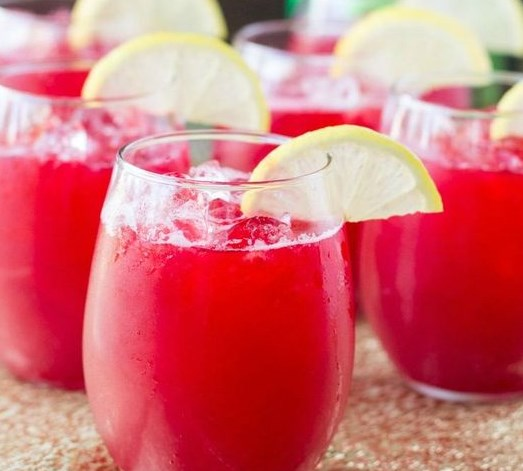 Raspberry Lemonade Fizz #drinks #signaturedrink