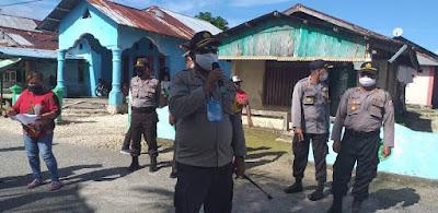 Kapolres Maluku Tenggara AKBP Alfaris Pattiwael S.Ik saat memberikan himbauan kepada masyarakat
