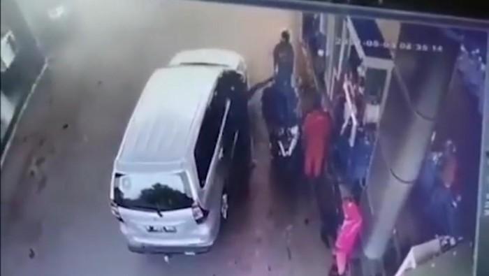 Geger Video Diduga Oknum Polisi Ancam Tembak Warga di Lebak