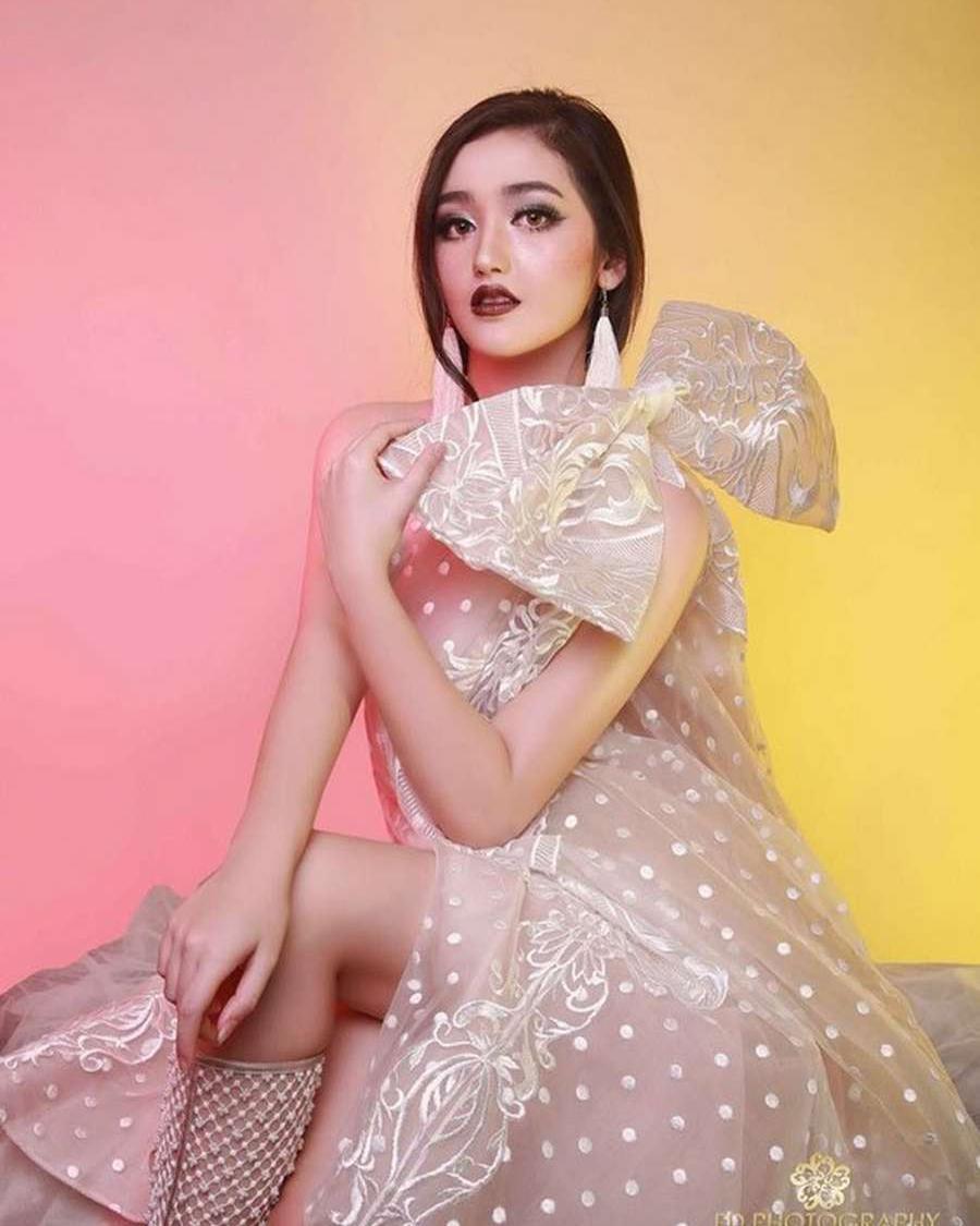 Paha Mulus Ranty Maria artis FTV Hot
