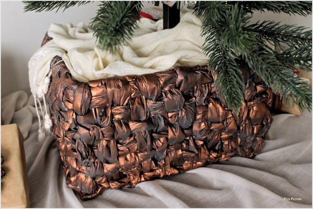 falsa-cesta-mimbre-arbol-navidad-caja-carton