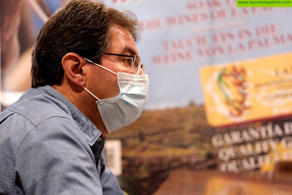 Agricultura colabora con el Consejo Regulador para el estudio genético de las variedades de viña de La Palma