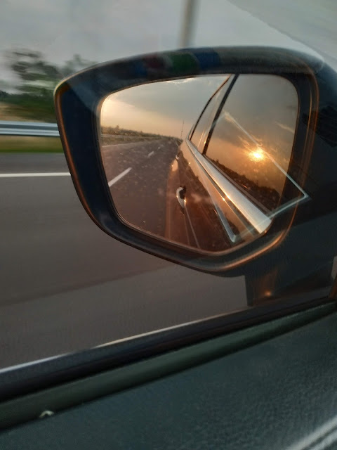 Sunset trough the mirror