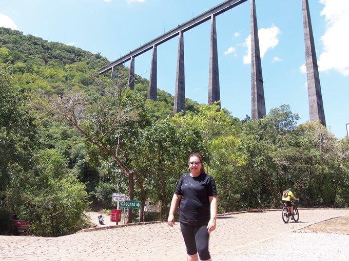 Viaduto com 143 metros de altura