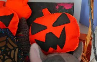 Inspiracje na Halloween dynia z filcu