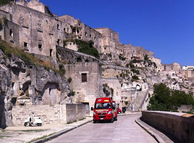 """Thành phố hang đá 9.000 năm tuổi """"già"""" nhất thế giới 3"""