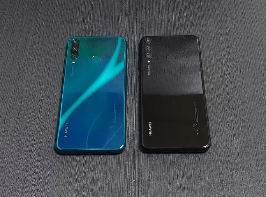 Huawei Y6p Emerald Green and Midnight Black Colors