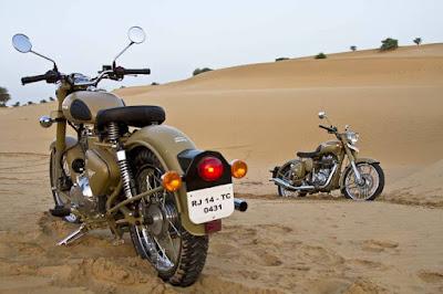 Royal Enfield Classic 500 Desert Storm in desert