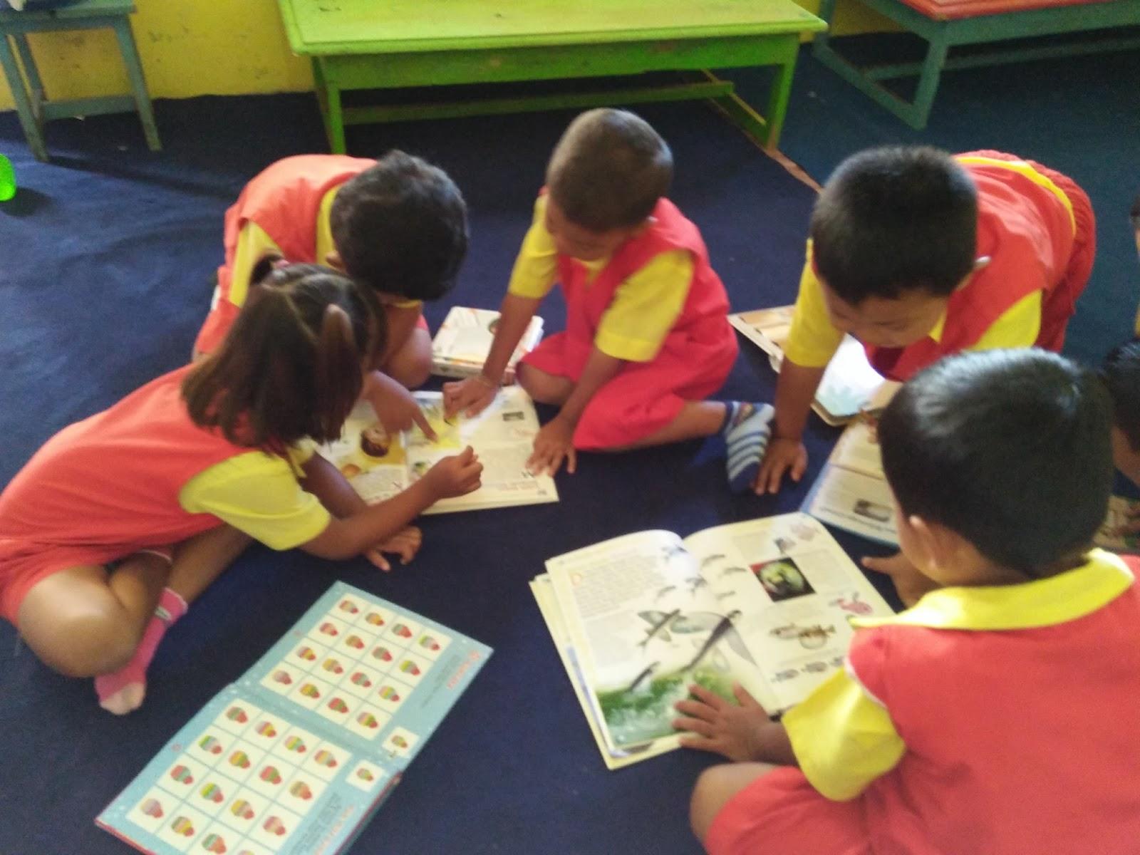 Sentra persiapan adalah pusat kegiatan bermain untukmempersiapkan anak mengenal tulisan huruf dan menghitung Kegiatan ini guna membantu anak mempersiapkan