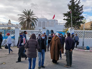 سبيبة: الفلاحون يحتجون للمطالبة بصرف تعويضات جائحة موسم 2018 ويهددون بالتصعيد (فيديو)