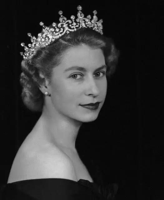 ΤΑΥΡΟΣ: Βασίλισσα Ελισάβετ ΙΙ της Αγγλίας Παγκόσμια Ημέρα της Γυναίκας: Οι 12 θηλυκές εκπρόσωποι των ζωδίων
