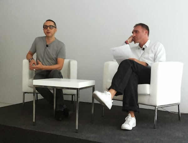 Tommaso Aquilano talking with tha audience at the Vogue Experience in Palazzo Morando