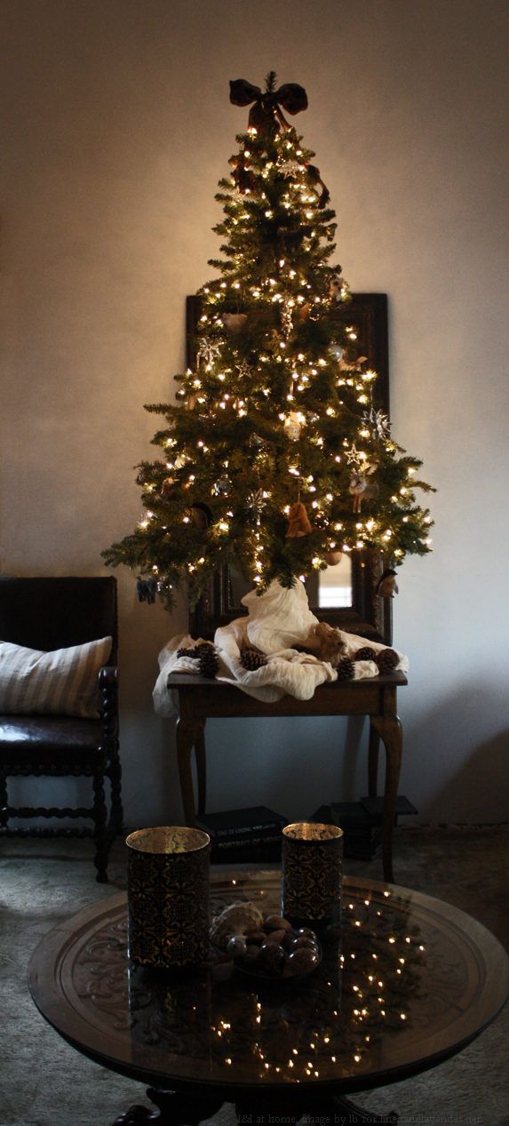 l&l at home - our 2013 tree - http://www.linenandlavender.net/2013/12/what-were-up-to-this-holiday-season.html
