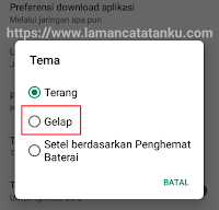 pilih tema night mode di play store