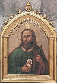 San Judas Tadeo con medallon de Jesus en la mano y llama de fuego sobre su cabeza