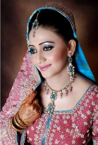 Pakistani Bridal Face S Pakistani Brides Makeup Gifts Toy
