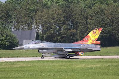 Dutch F16 special tail