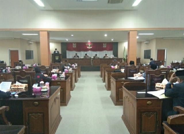 DPRD Gelar Paripurna Ke XXVII Masa Persidangan Ke3 Pembahasan LPJ Pelaksanaan APBD Prabumulih TA. 2018.