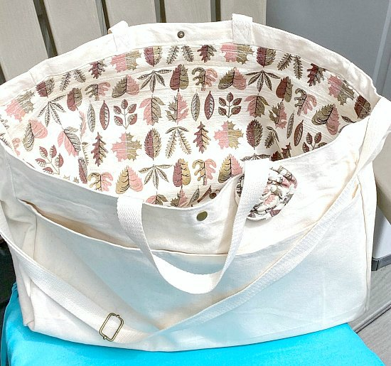 Summer Tote Bag with Vintage Liner
